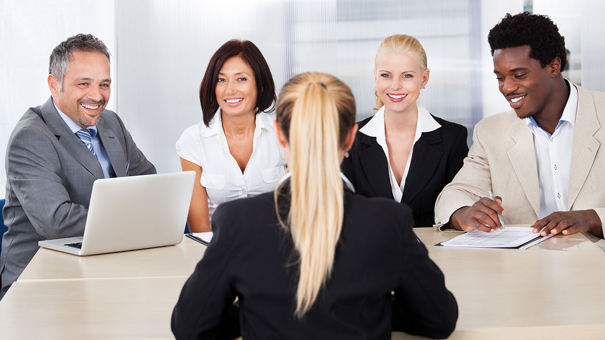 paralegal internship Many paralegal students who have just graduated from college or who have completed a paralegal studies program most likely are searching for their first paralegal jobs.